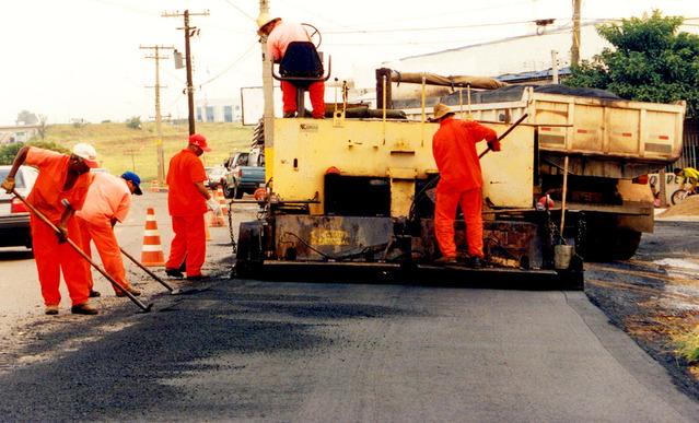 stavitelství silnic a dálnic